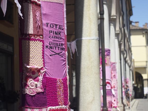 pink knitting FAENZA